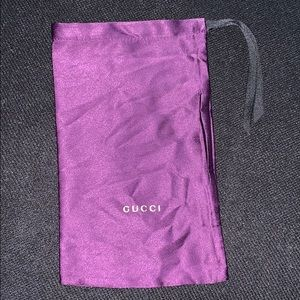 100% Authentic Gucci Purple dust bag 💜